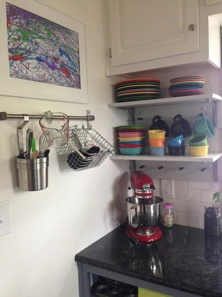 fiestaware-farmhouse-kitchen-open-shelf