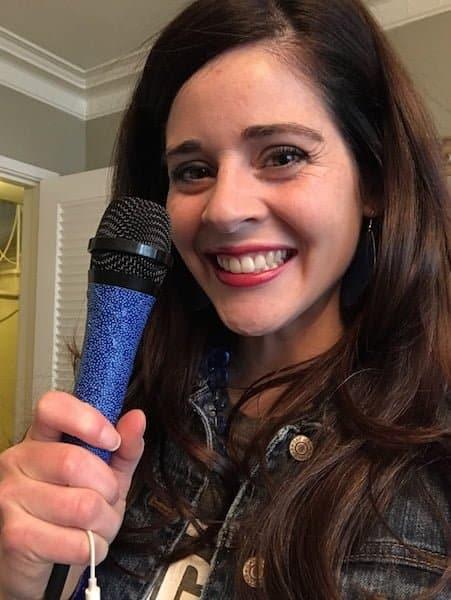 danielle-coloncancerevent-microphone