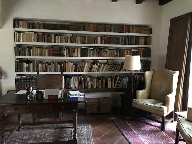 antigua house library
