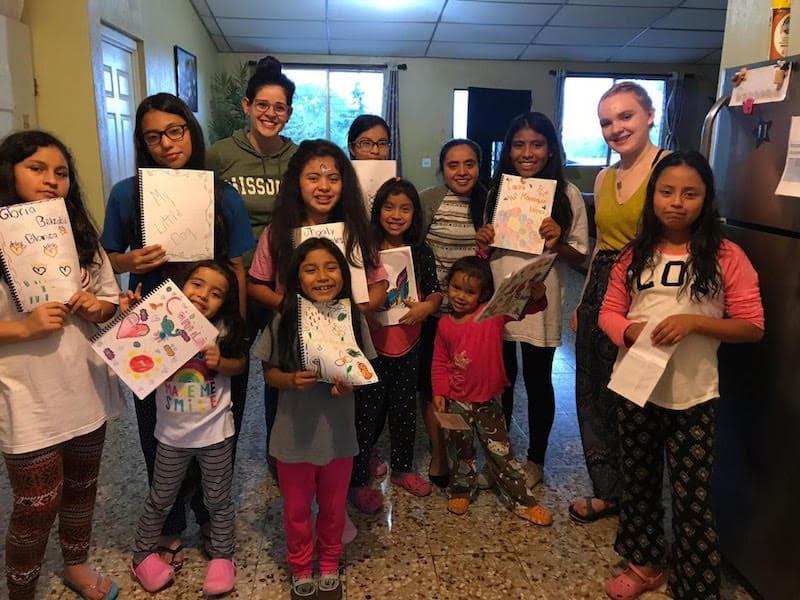 girlsgroupbooks-guatemala